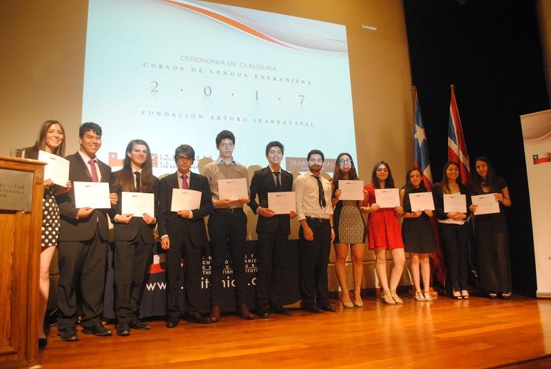 Ceremonia de clausura de cursos de lengua extranjera de la Fundación Arturo Irarrázaval